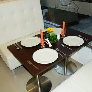 restaurante-verano-plaza-arauca-mesa-servida-6